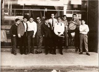 Los Locos en el Hotel Victory, Argentina